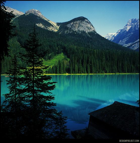 До поездки цвета горных озер казались нереальными. Рассматривая фотографии, все время возникало ощущение, что их подкрасили при обработке, но сама природа оказалась куда оригинальнее.