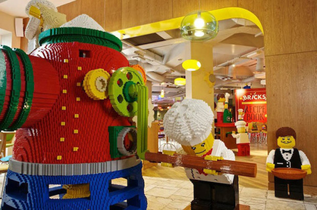 7-lego-otel