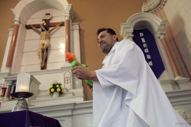 священник в робе