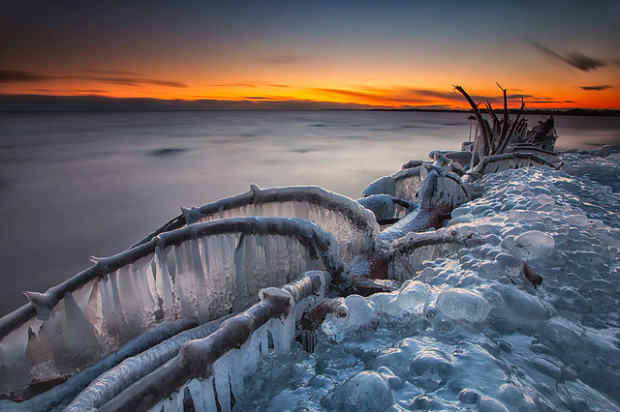 лёд на озере