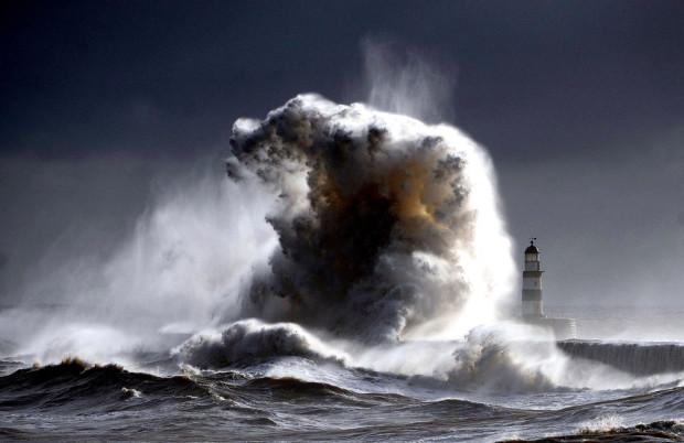 волны  в Англии