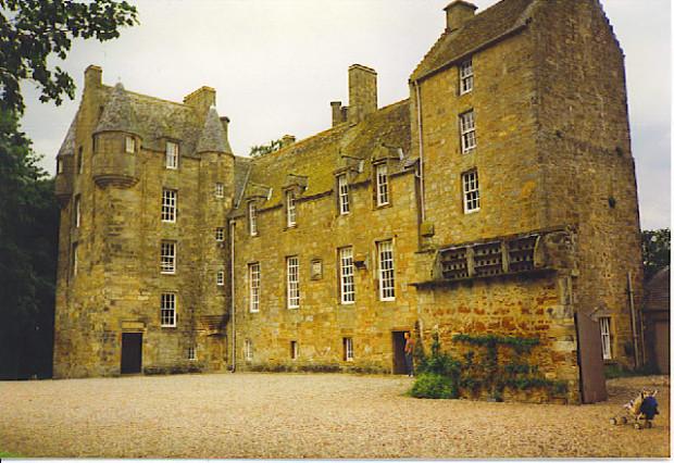 Замок Келли, Шотландия