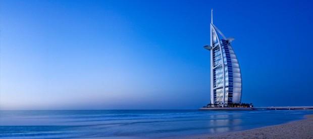 Знаменитый отель-парус в ОАЭ Burj Al Arab приглашает гостей