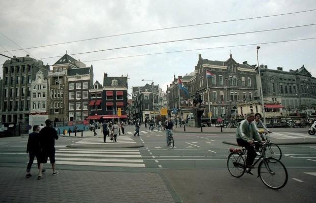 Наравне с Москвой идёт Амстердам. Европа весьма порядочна...