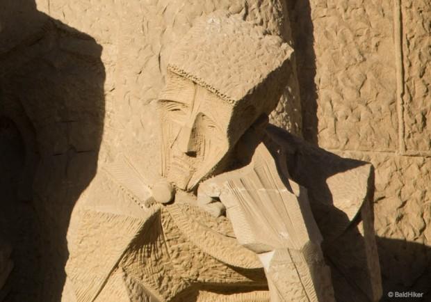 статуи Гауди
