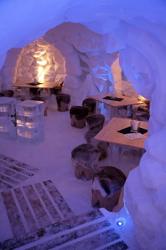 отель из снега