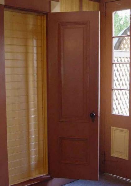 двери в стены