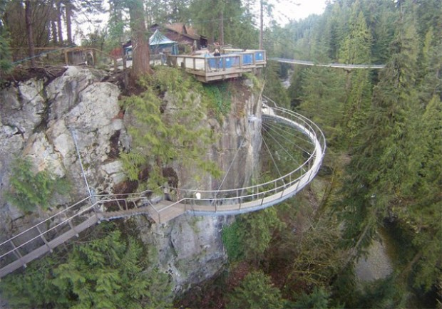 Capilano-Suspension-Bridge-in-Nort-Vancouver6-640x448