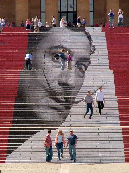 Лестница в музее искусств в Филадельфии