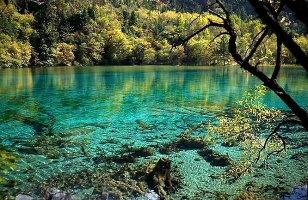 таинственное озеро