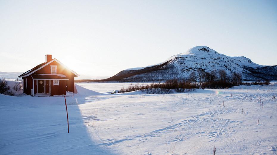 В Финляндии много гор, но больше половины из них - в Лапландии. Нильс-Маати говорит. что тут самое тихое место на земле и очень много добрых людей.