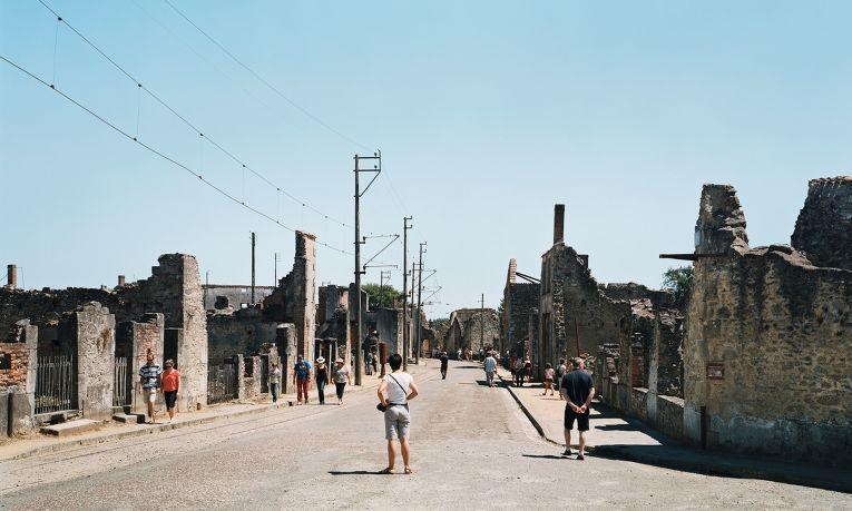поселок Орадур-сюр-Глан, уничтоженный нацистами в 1944.