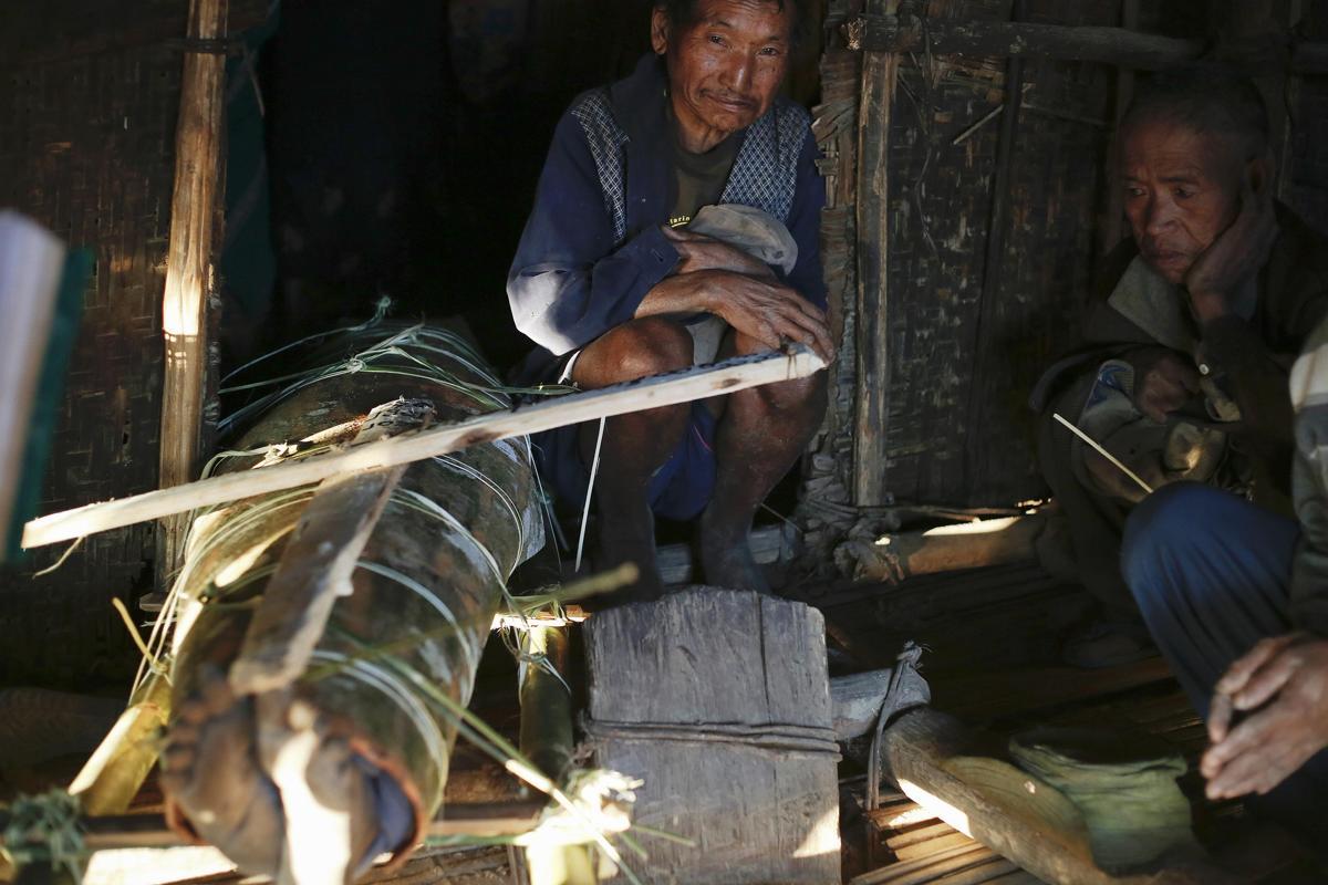 2015-01-09T122752Z_3160039_LM2EB18140801_RTRMADP_3_MYANMAR-NAGA-WIDERIMAGE