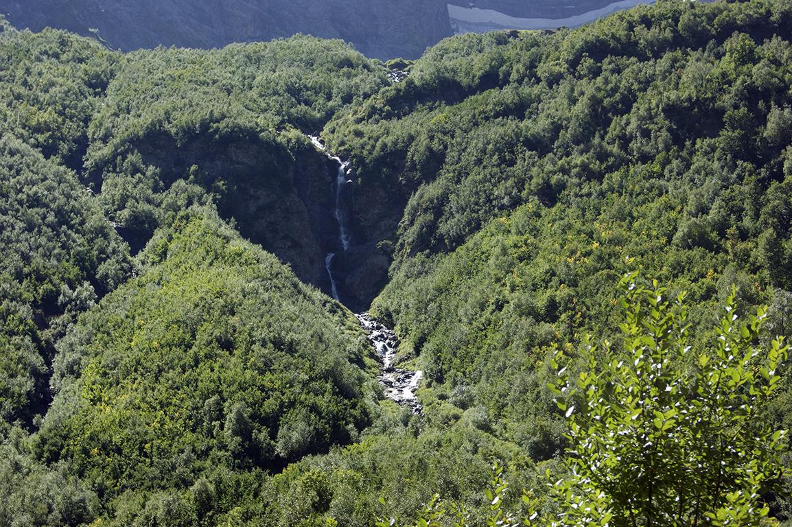 Да, так водопад выглядит, когда уже скатился с лендинка