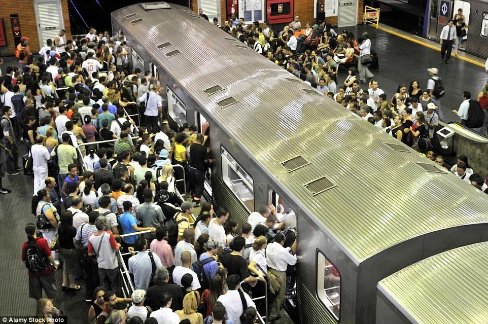 Станция метро станции метро «Барра Фунда» в Сан-Паулу, Бразилия.