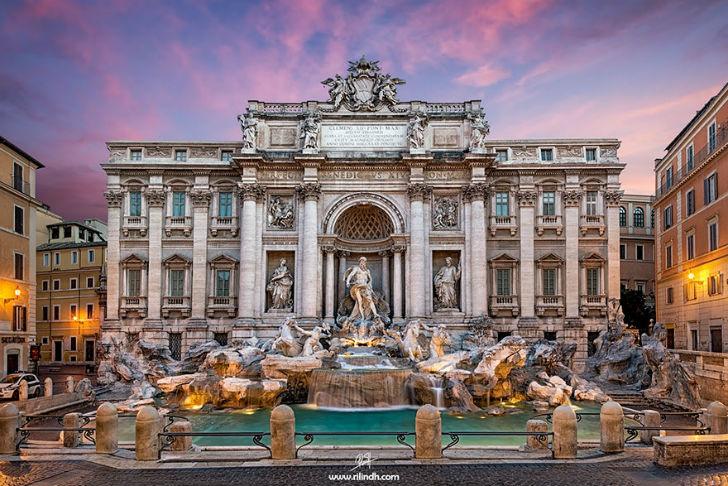 Фонтан Треви в Риме.