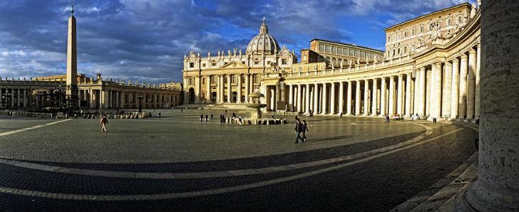 Площадь святого Петра перед собором