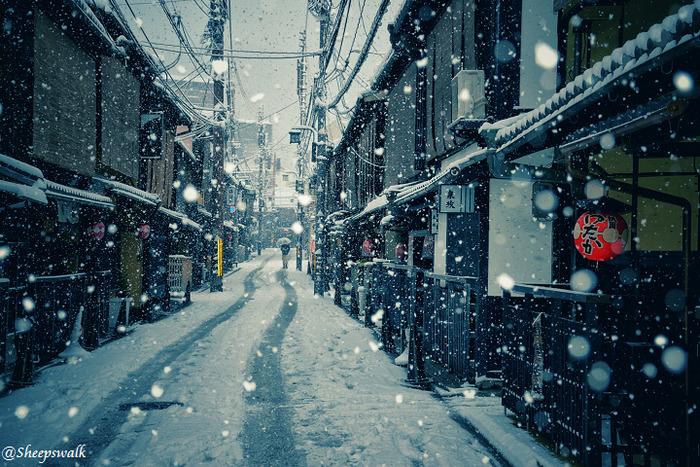 heavy-snowfall-kyoto-japan-2017-11-587dcc48553c2-png__700