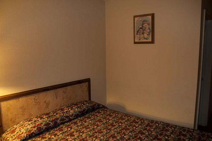 the-clown-motel-tonopah-nevada-11