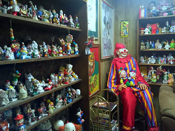 the-clown-motel-tonopah-nevada-3