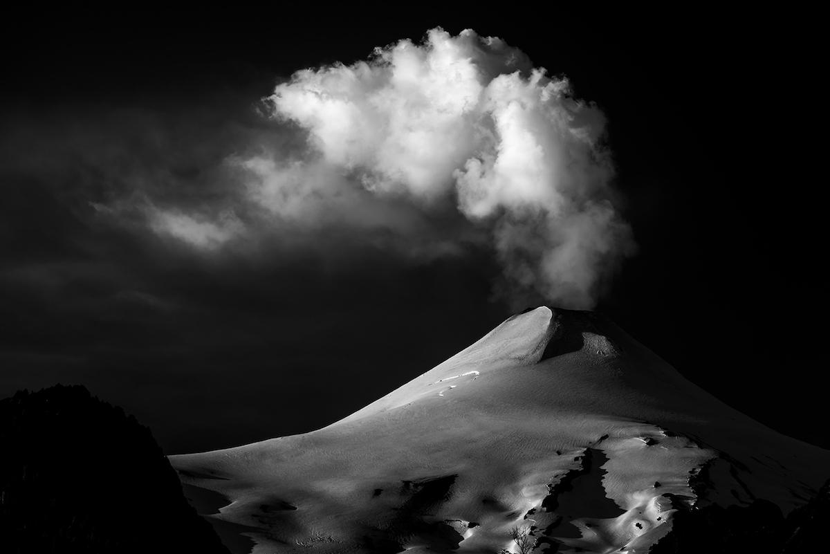 грозовой вулкан