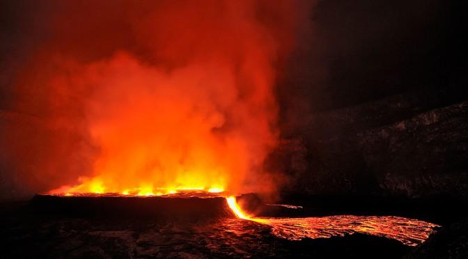 Кратер Ньирагонго. В метре от дьявольских взрывов