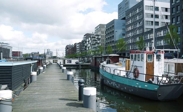 Амстердамский дом на воде
