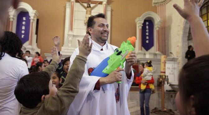 священник и прихожане
