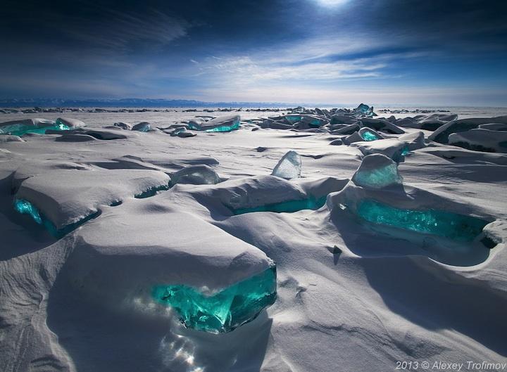 Байкал со льдом