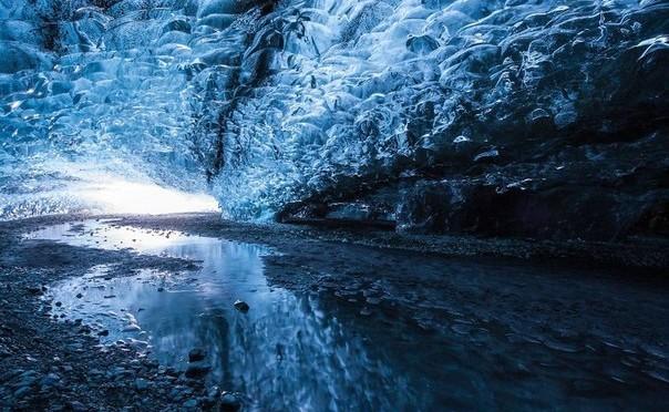Ледяная пещера Ватнайёкюдль в Исландии